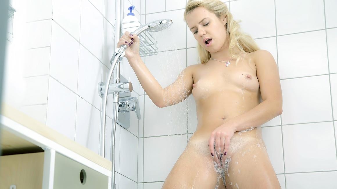 Teen Shower Masturbation